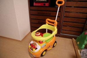 1才の誕生日プレゼント アンパンマンビジーカー